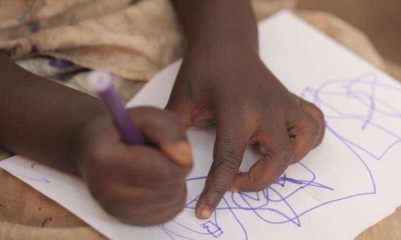 Cómo los centros preescolares pueden hacer más para apoyar a los niños que viven con el VIH