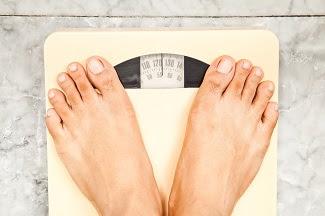 ¿Ciertos factores están asociados con el aumento de peso al iniciarse el TAR?