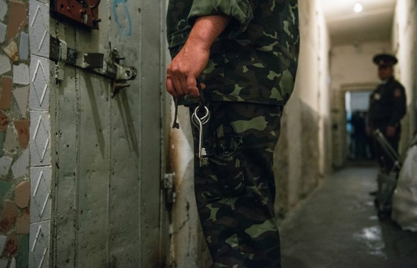 Muchos presos carecen de servicios básicos para el VIH