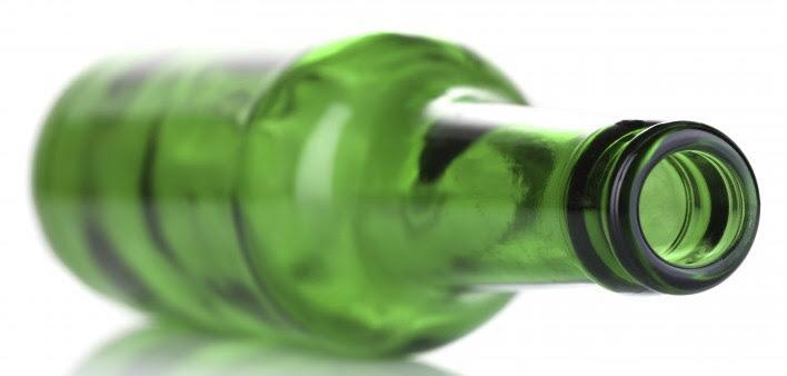 ¿Qué tan común es el trastorno por consumo de alcohol entre las personas que viven con VIH?
