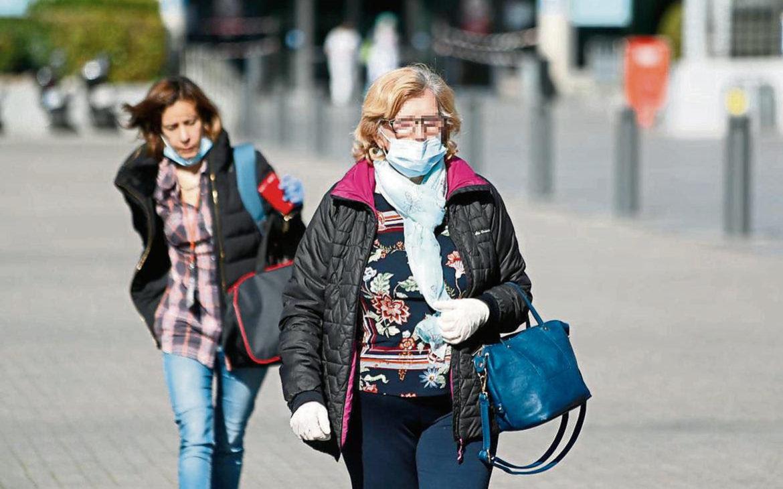El coronavirus no se transmite a distancia por el aire, advierte la OMS