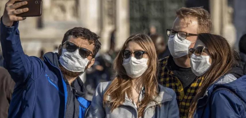 La OMS manda un mensaje a los jóvenes: No son invencibles ante el coronavirus.