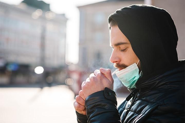 Los fumadores se enfrentan a un mayor riesgo de COVID-19