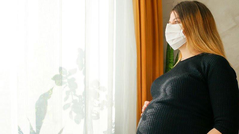 En la mayoría de las embarazadas con COVID-19 la enfermedad es leve