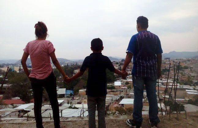"""""""Mi mayor preocupación es obtener mis medicamentos antirretrovirales"""": VIH y COVID-19 en América Latina"""