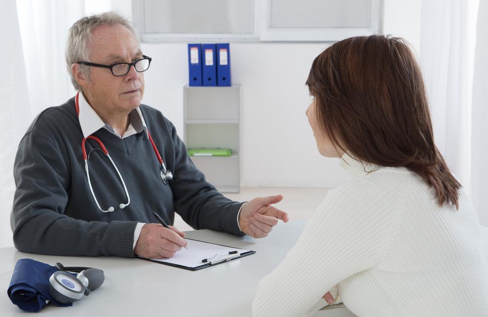 Un tercio de las personas que viven con el VIH no han hablado de U = U con su médico