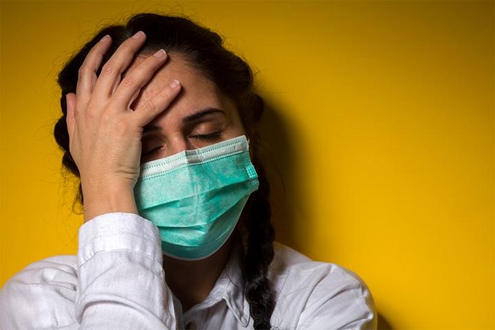 El 82 % de los pacientes hospitalizados con COVID-19 presentan  síntomas neurológicos