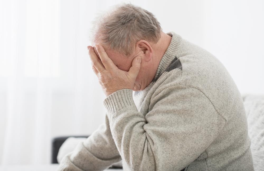 Hombres que envejecen con VIH tienen mayor riesgo de demencia