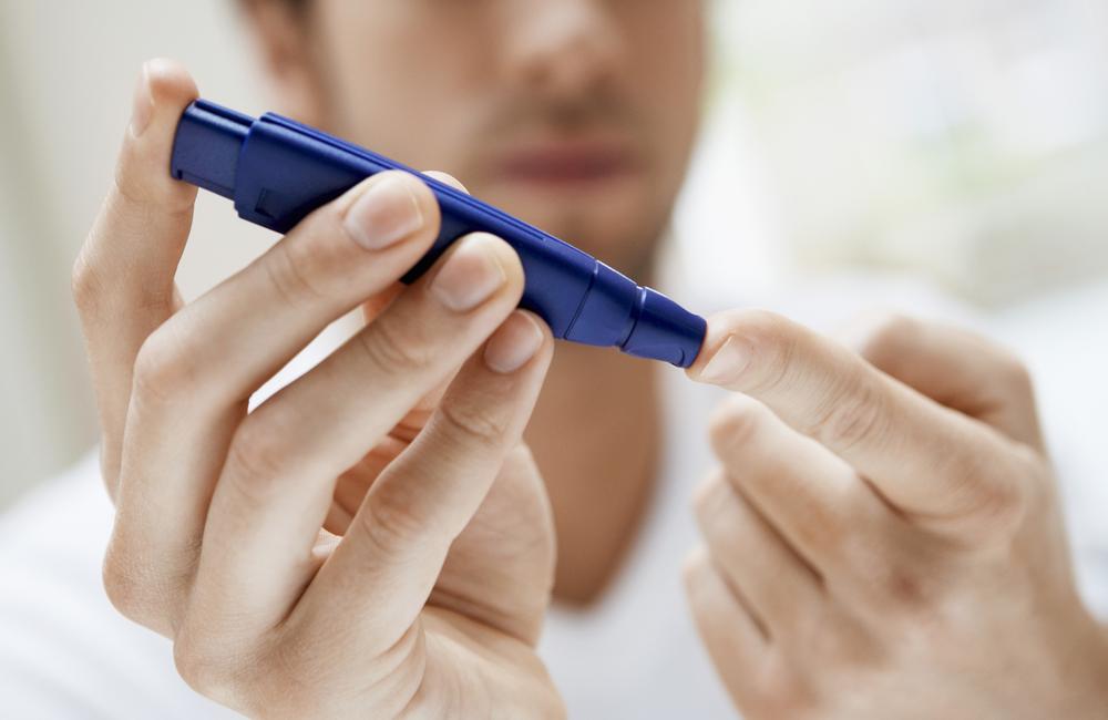 La diabetes aumenta el riesgo de daño hepático en personas con VIH