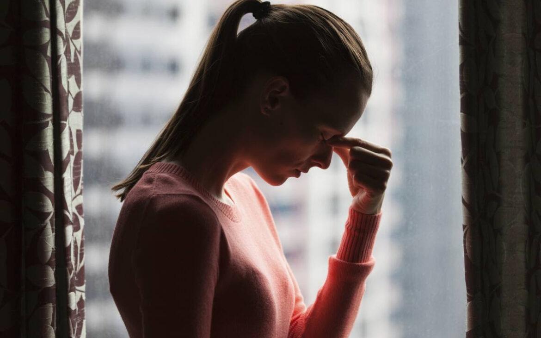 Problemas neurológicos, psicológicos o motores, entre los síntomas de la covid persistente