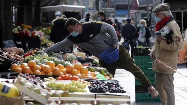 FDA concluye que no hay transmisión del coronavirus a través de los alimentos o de los envases