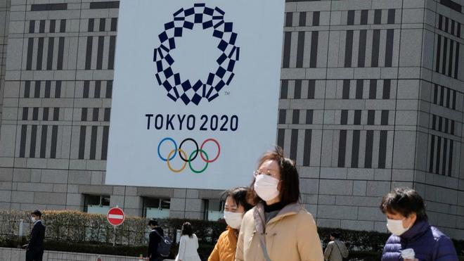 Distanciamiento físico y sexo en la Villa Olímpica de 2020: «Llévense los condones a casa»